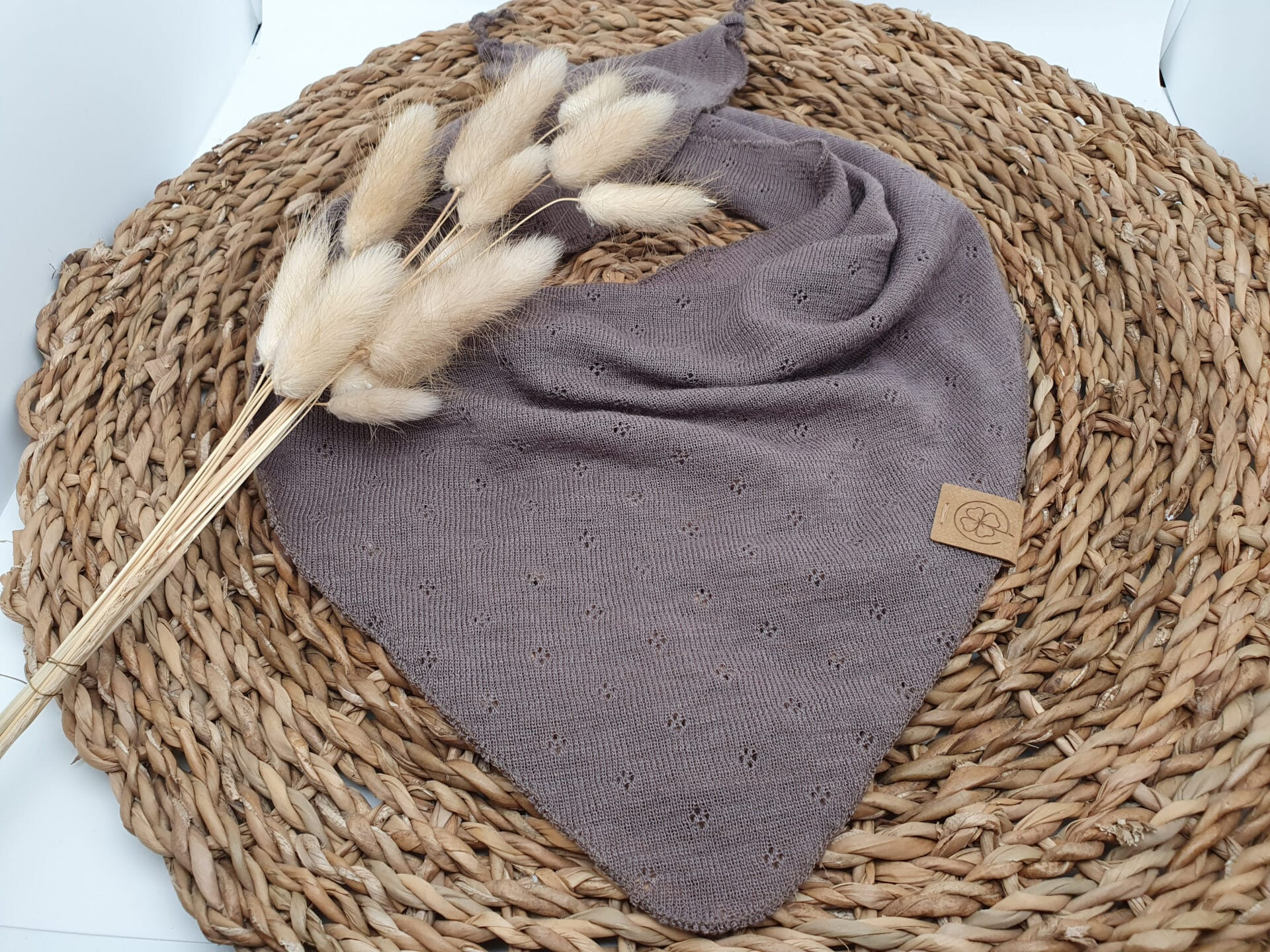 Ajourhalstuch aus Wolle kastanienbraun